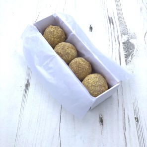 Passion Fruit & Milk Chocolate Cake Truffles